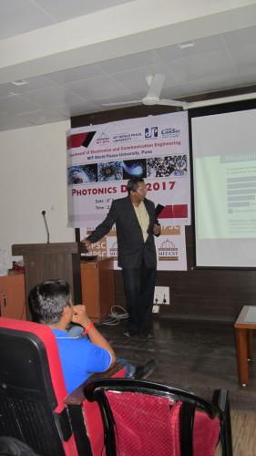 Mr. Sameer Gokhale addressing students.